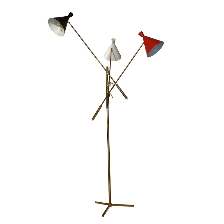 Floor Brass and Painted Metal Lamp Trifase Style Decoration Mid-Century Modern In Good Condition For Sale In Tuscany, IT