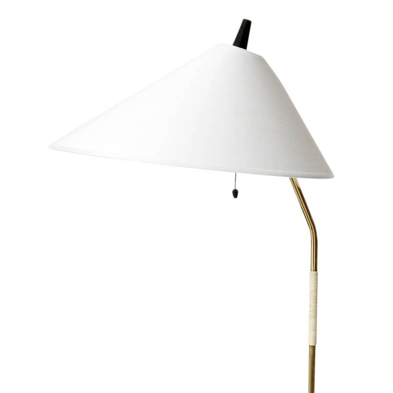 Floor Lamp, Brass Black Cast Iron, Austria, 1960 In Excellent Condition For Sale In Vienna, AT
