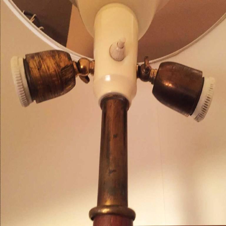 Mid-20th Century Floor Lamp in Brass and Walnut Original, 1940s