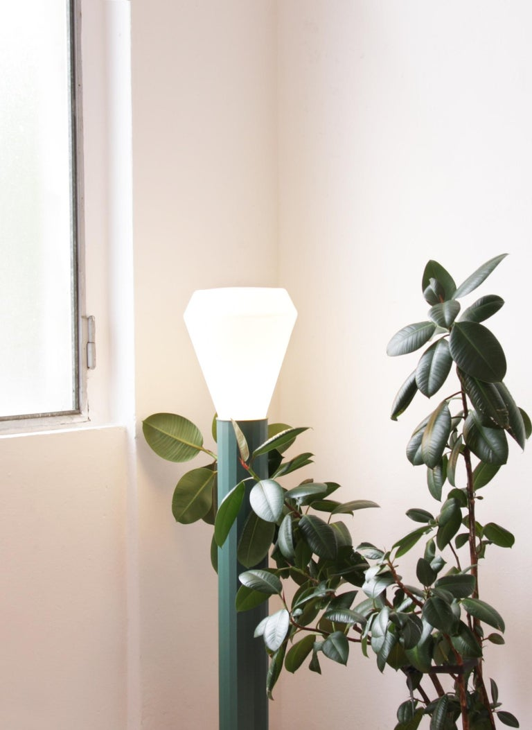 Floor Lamp in Powder-Coated Steel and Milk Glass Handcrafted In New Condition For Sale In Firenze, IT