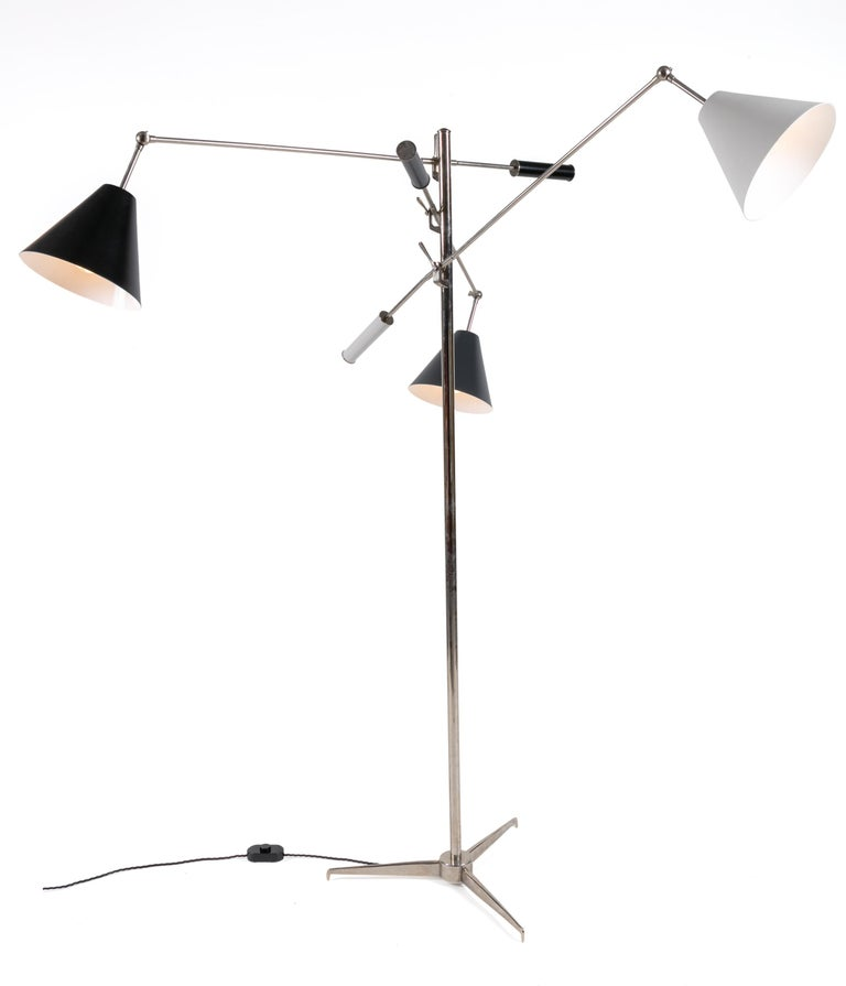 Arguably the most iconic midcentury floor lamp to have come out of Italy. This masterful design has been a favoured piece in many midcentury and contemporary international interiors.