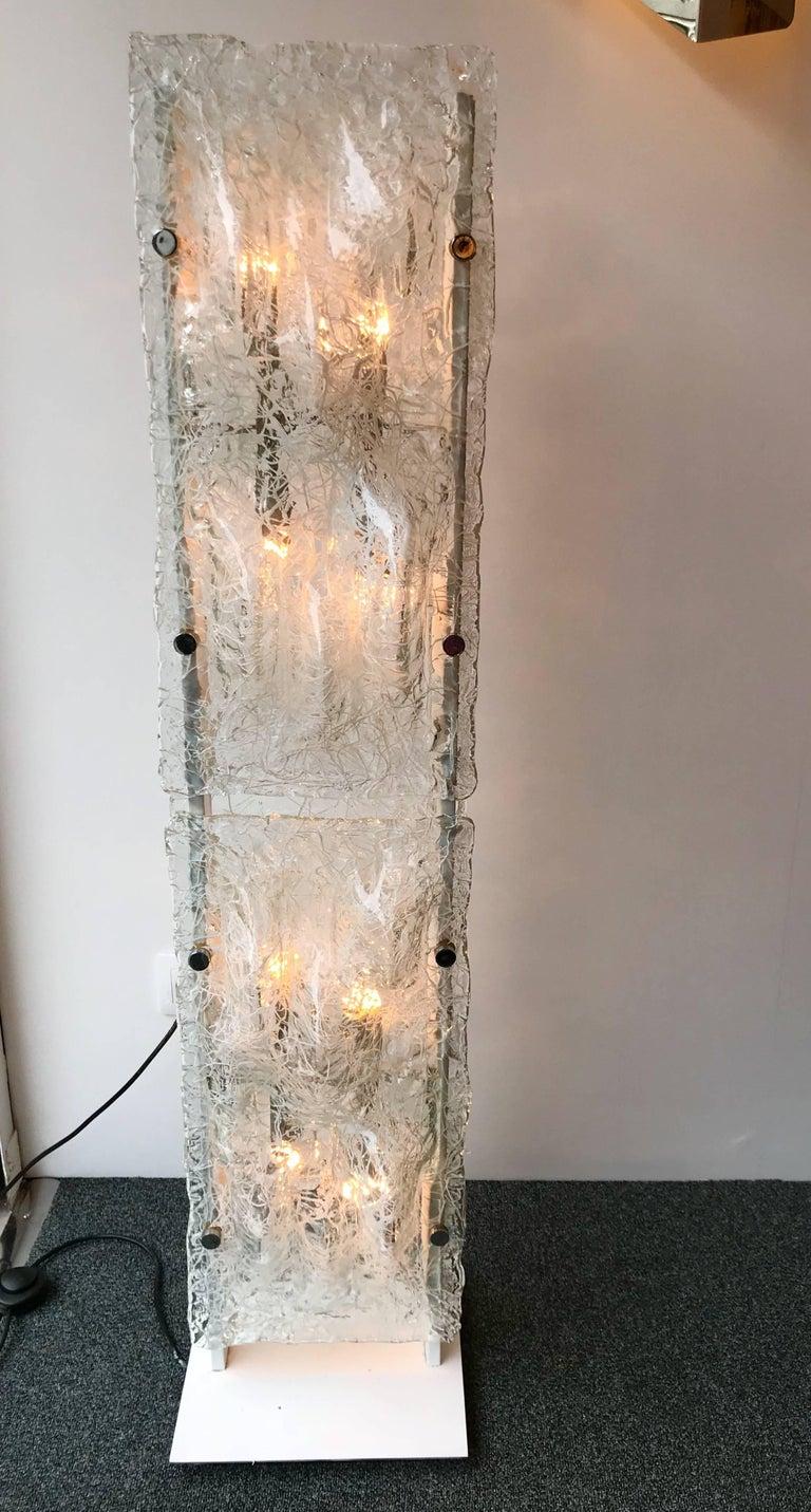 Rare totem floor lamp by the editor Esperia, probably Angelo Brotto for the manufacture, very unusual bubble Murano glass. Very quality and thick glass. Famous design like Mazzega, Carlo Aldo Nason, Venini, Vistosi, La Murrina, Seguso, Artemide,