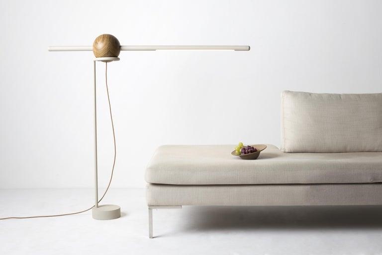 Floor Lamp Pivô on Tropical Brazilian Hardwood In New Condition For Sale In Belo Horizonte, Minas Gerais