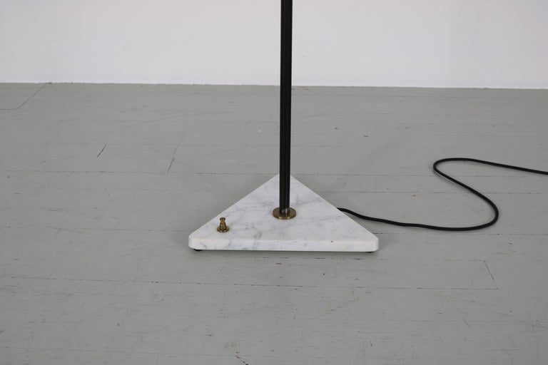 Mid-Century Modern Floor Lamp with Marble Base in the Manner of Stilnovo, Italy, 1950s For Sale