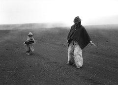 Aquí No Más, Ecuador, 1991 - Flor Garduño (Black and White Photography)