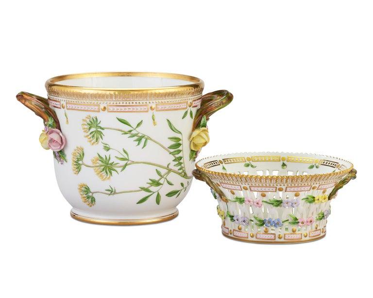 Hand-Painted Flora Danica Porcelain Dinner Service, 141 Pieces For Sale