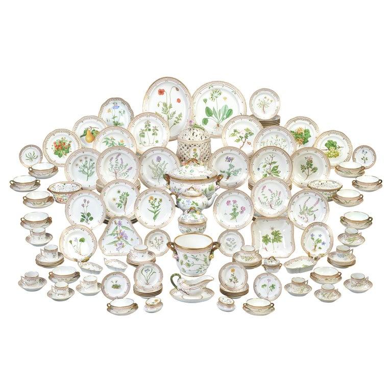 Flora Danica Porcelain Dinner Service, 141 Pieces For Sale