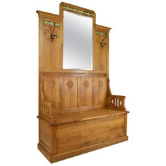 Floral Art Nouveau Hall Chest Bench with Coat Racks in Carved Oak, circa 1900