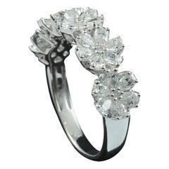 Floral Diamond Fashion Ring in 18 Karat Gold