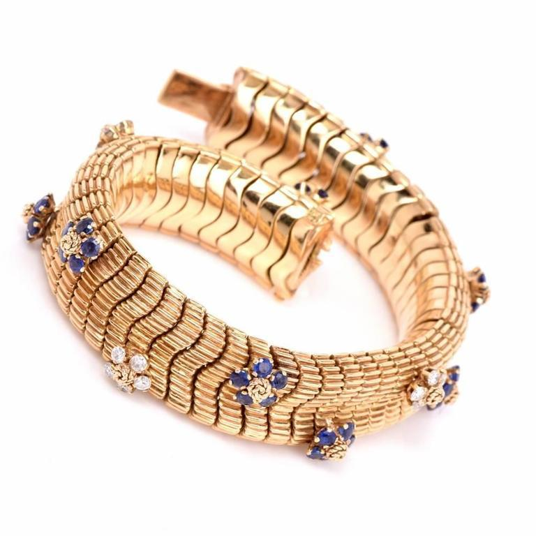Round Cut Floral Sapphire Diamond Yellow Gold Snake Bracelet For Sale