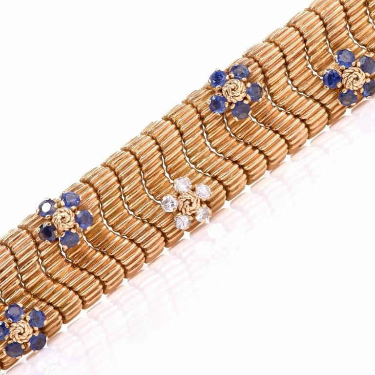 Floral Sapphire Diamond Yellow Gold Snake Bracelet In Excellent Condition For Sale In Miami, FL
