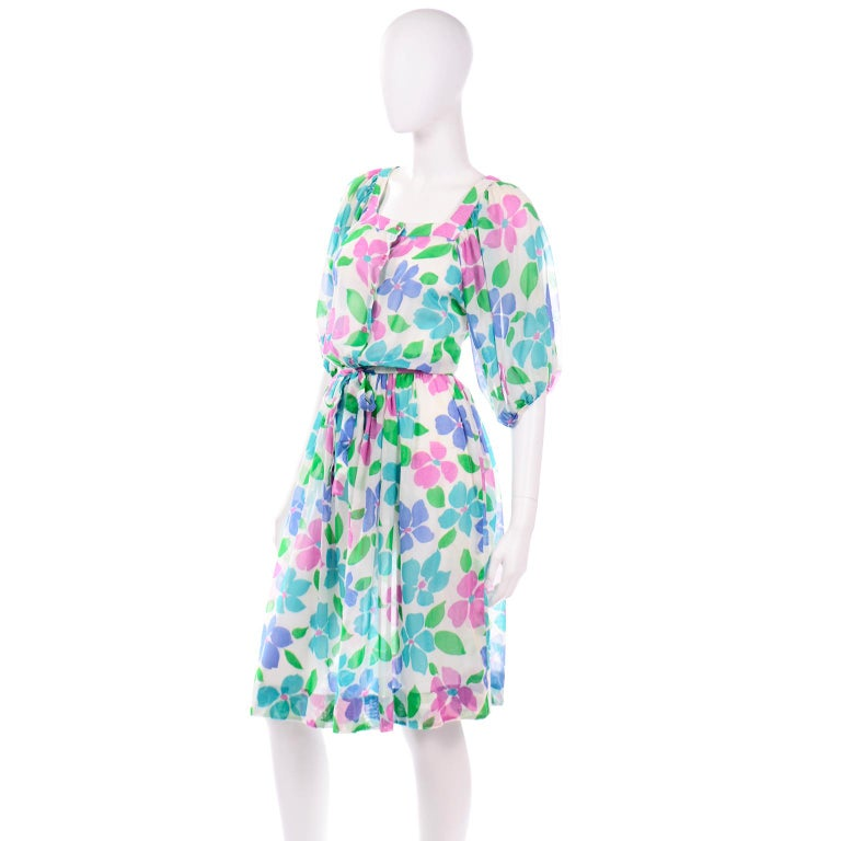 Women's Vintage Albert Nipon Sheer Floral Dress With Sash Belt & Gathered Sleeves For Sale
