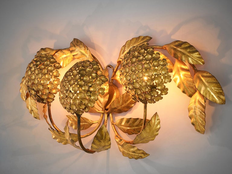 Mid-Century Modern Floral Wall Light in Brass For Sale