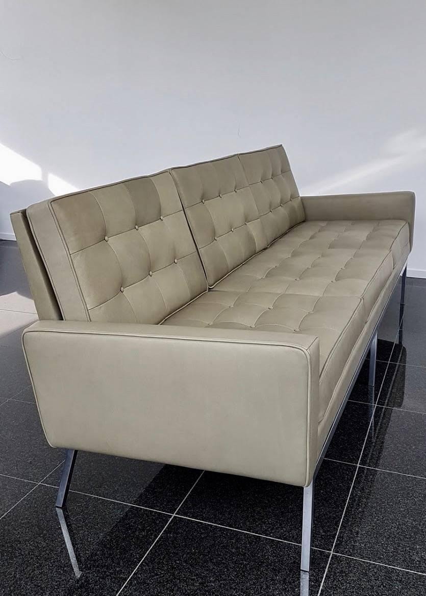 Mid Century Modern Florence Knoll, 1958 Olive Green Leather Sofa For Sale