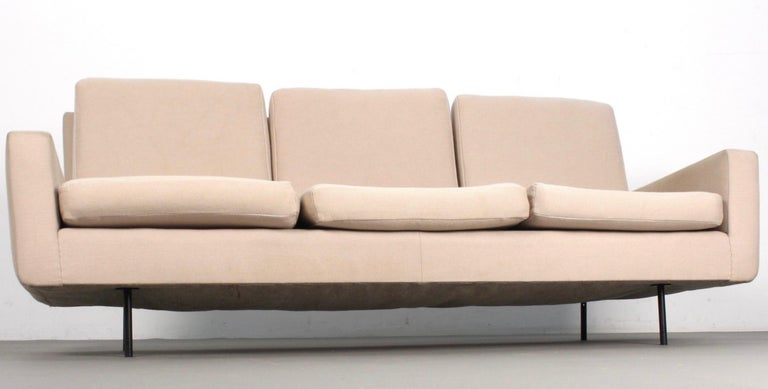 Florence Knoll 3-seat sofa. Nice original condition.