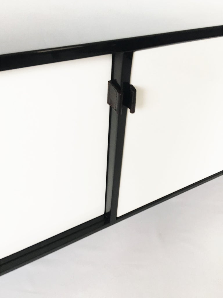 Florence Knoll Black and White Lacquered Credenza In Good Condition For Sale In Dallas, TX