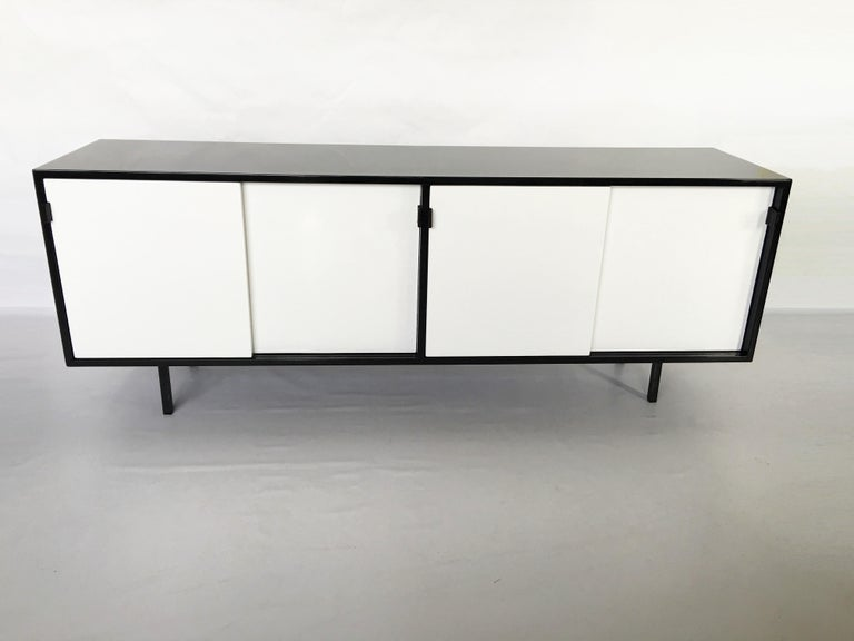 Florence Knoll Black and White Lacquered Credenza For Sale 1