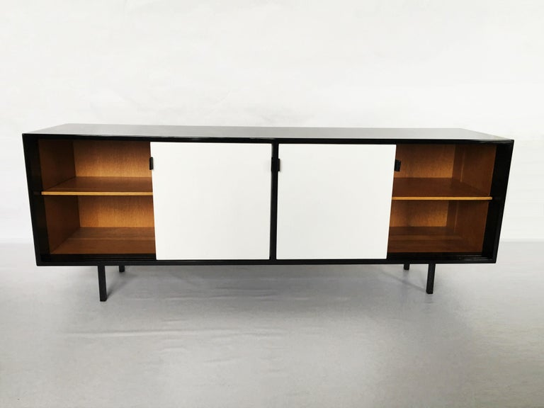 Florence Knoll Black and White Lacquered Credenza For Sale 2