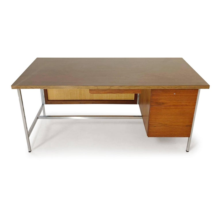 Mid-Century Modern Florence Knoll Caned Executive Desk, circa 1960 For Sale