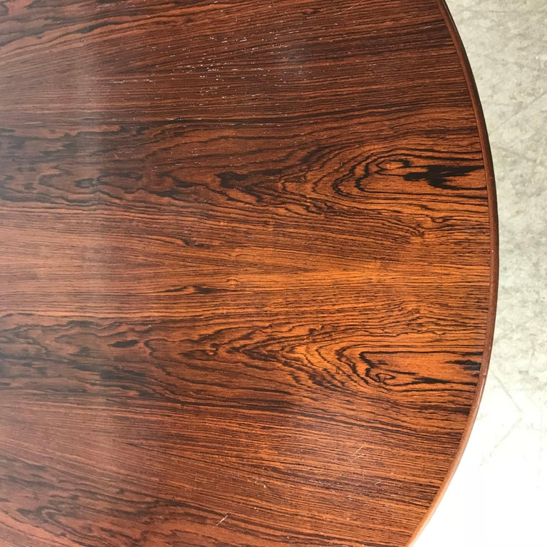 Florence Knoll Conference or Dining Table, Rosewood Top for Knoll In Good Condition For Sale In Buffalo, NY