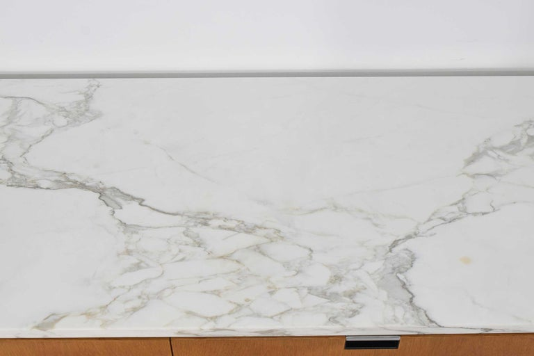 Florence Knoll Credenza in White Oak and Calacutta Marble In Good Condition For Sale In Dallas, TX