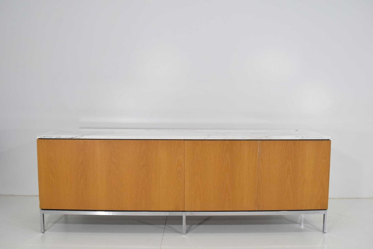 Florence Knoll Credenza in White Oak and Calacutta Marble For Sale 2