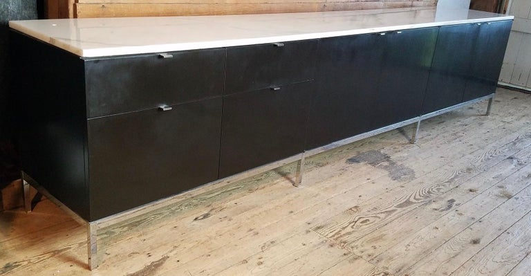 Florence Knoll Credenza / Sideboard Original Calacatta Marble Top 1961 For Sale 1