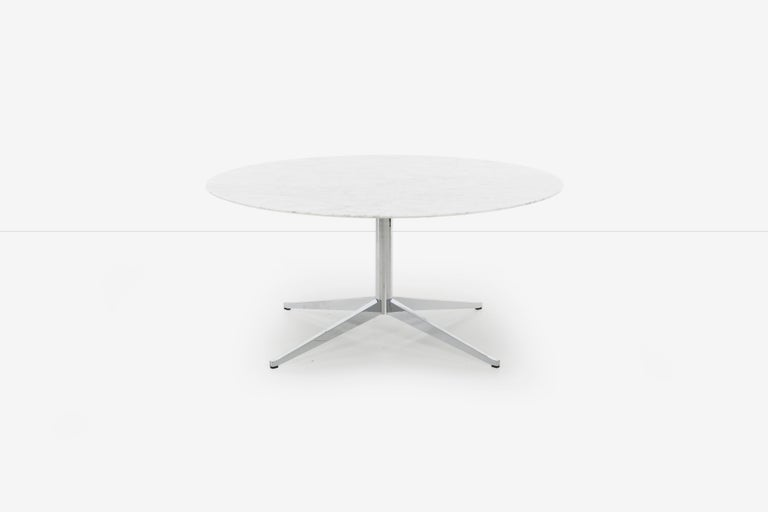 Mid-Century Modern Florence Knoll Custom Round Carrara Marble Dining Table or Desk For Sale