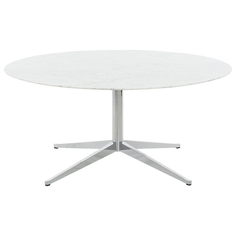 Florence Knoll Custom Round Carrara Marble Dining Table or Desk For Sale