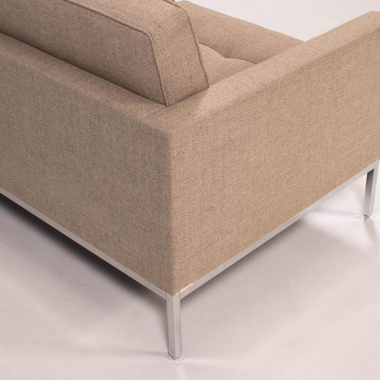 Florence Knoll for Knoll Beige Fabric Relaxed Three Seater Sofa For Sale 1