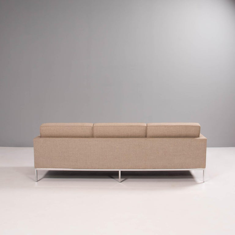 Florence Knoll for Knoll Beige Fabric Relaxed Three Seater Sofa For Sale 3