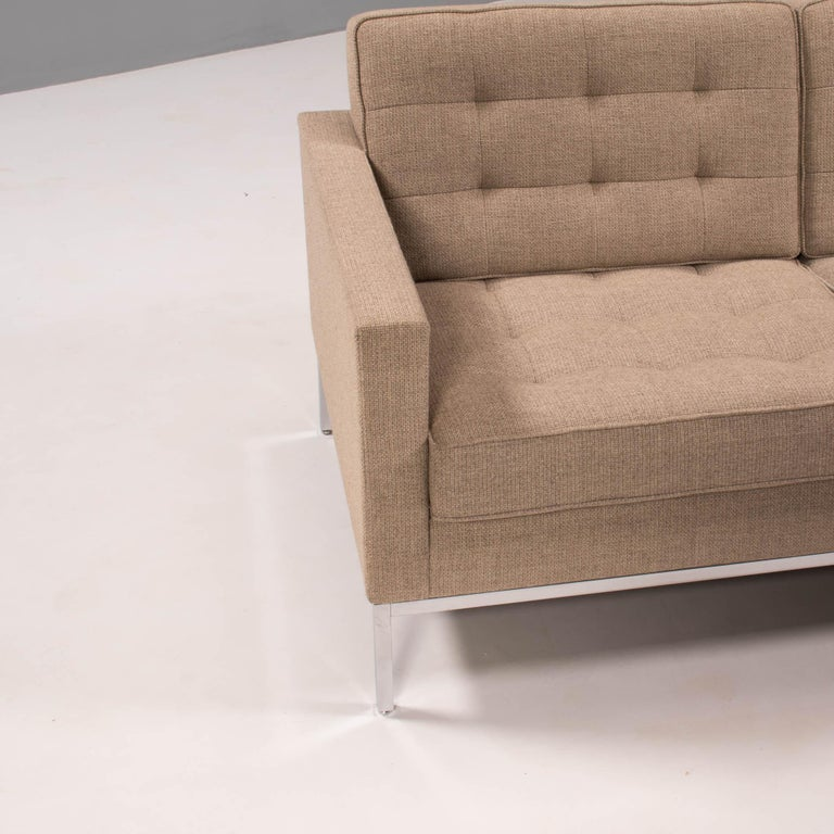 Florence Knoll for Knoll Beige Fabric Relaxed Three Seater Sofa For Sale 4