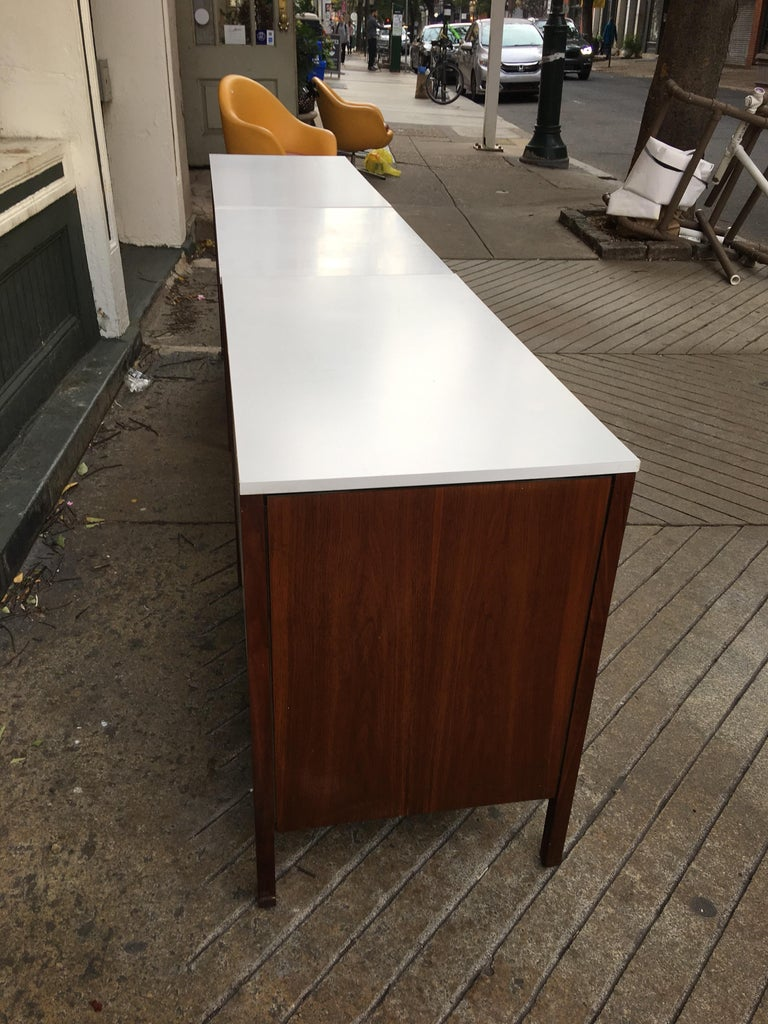 Florence Knoll for Knoll Dresser and Desk/Vanity in Walnut In Good Condition For Sale In Philadelphia, PA