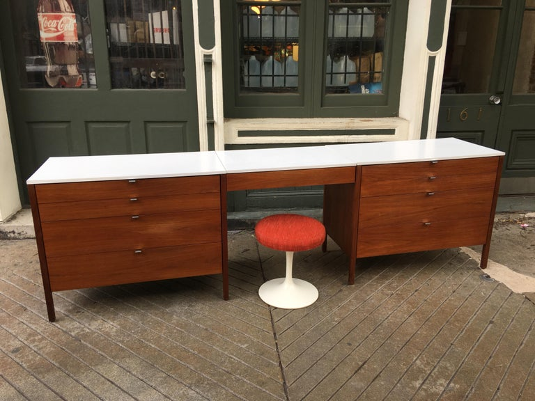 Florence Knoll for Knoll Dresser and Desk/Vanity in Walnut For Sale 2