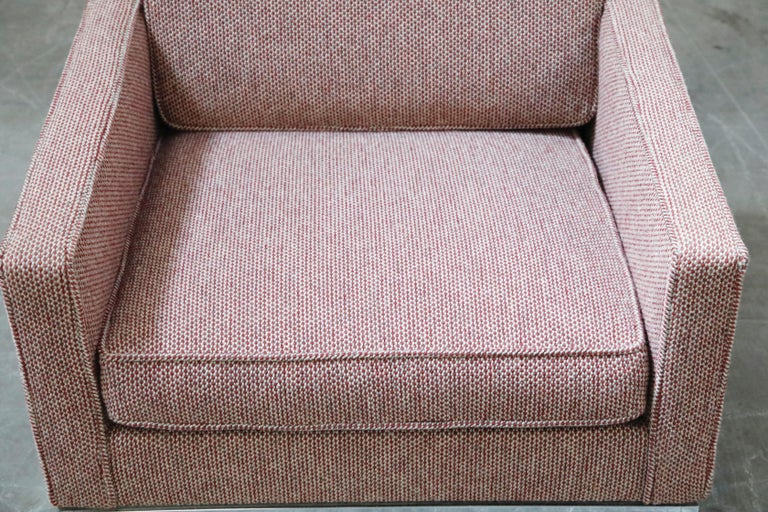 Fabric Florence Knoll for Knoll International Lounge Armchair, circa 1980s For Sale
