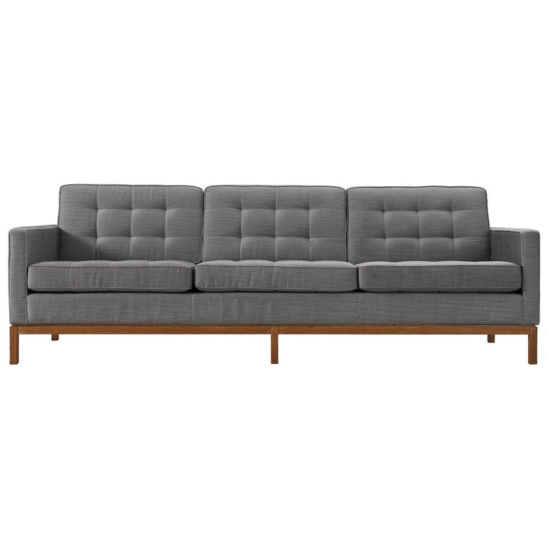 Florence Knoll for Knoll International Sofa '2557' For Sale