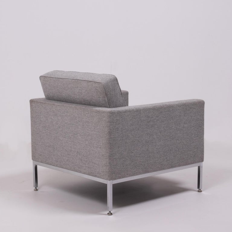 Hand-Crafted Florence Knoll Grey Tuxedo Lounge Chair For Sale