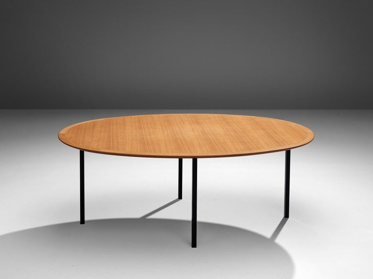 Florence Knoll International Oval Dining Table in Teak and Metal In Good Condition For Sale In Waalwijk, NL