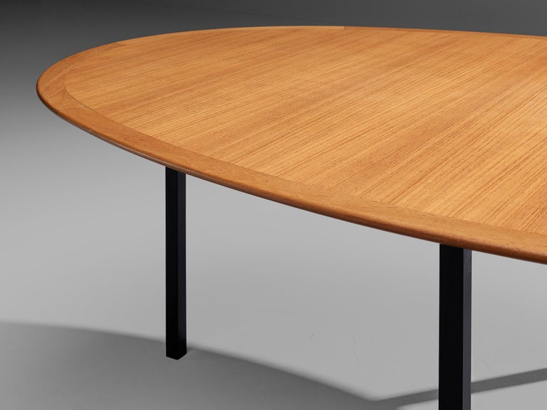 Florence Knoll International Oval Dining Table in Teak and Metal For Sale 1