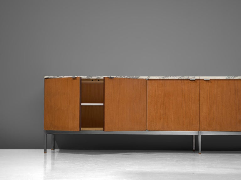 Florence Knoll Large Sideboard in Teak and Marble For Sale 1