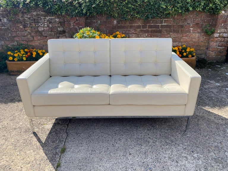 Contemporary Florence Knoll Leather Sofa by Knoll Studio For Sale