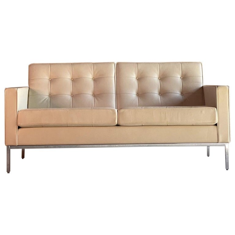 Florence Knoll Leather Sofa by Knoll Studio For Sale