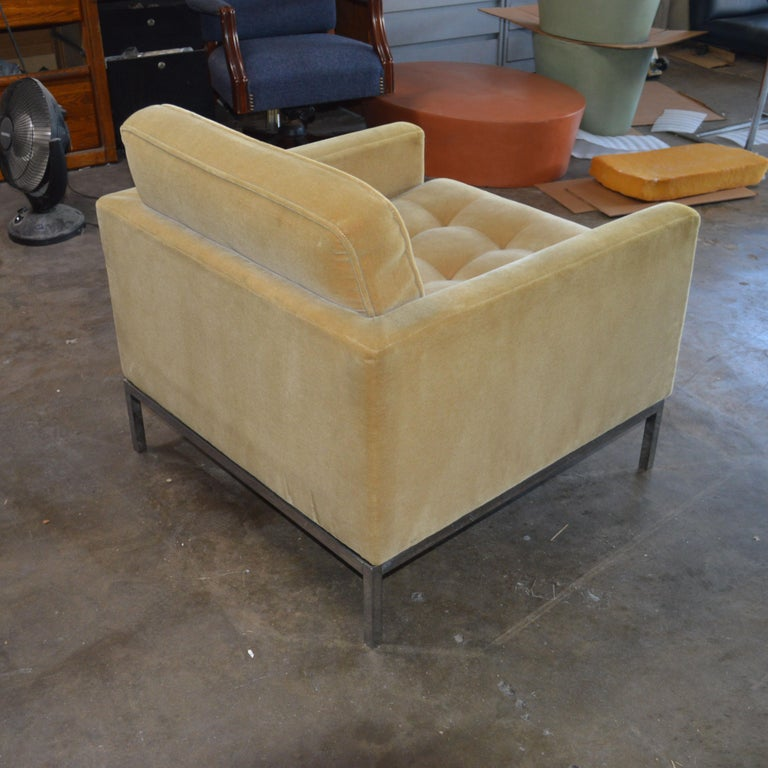 Mid-Century Modern Florence Knoll Lounge Chair For Sale