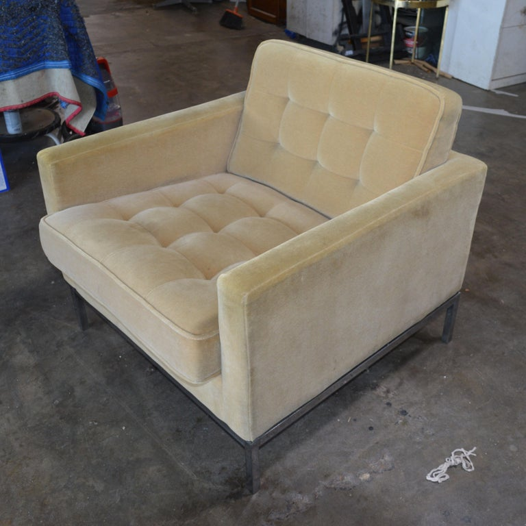 Late 20th Century Florence Knoll Lounge Chair For Sale