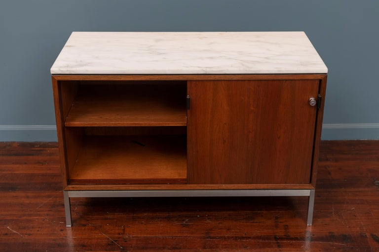Florence Knoll Marble-Top Rosewood Credenza In Good Condition For Sale In San Francisco, CA