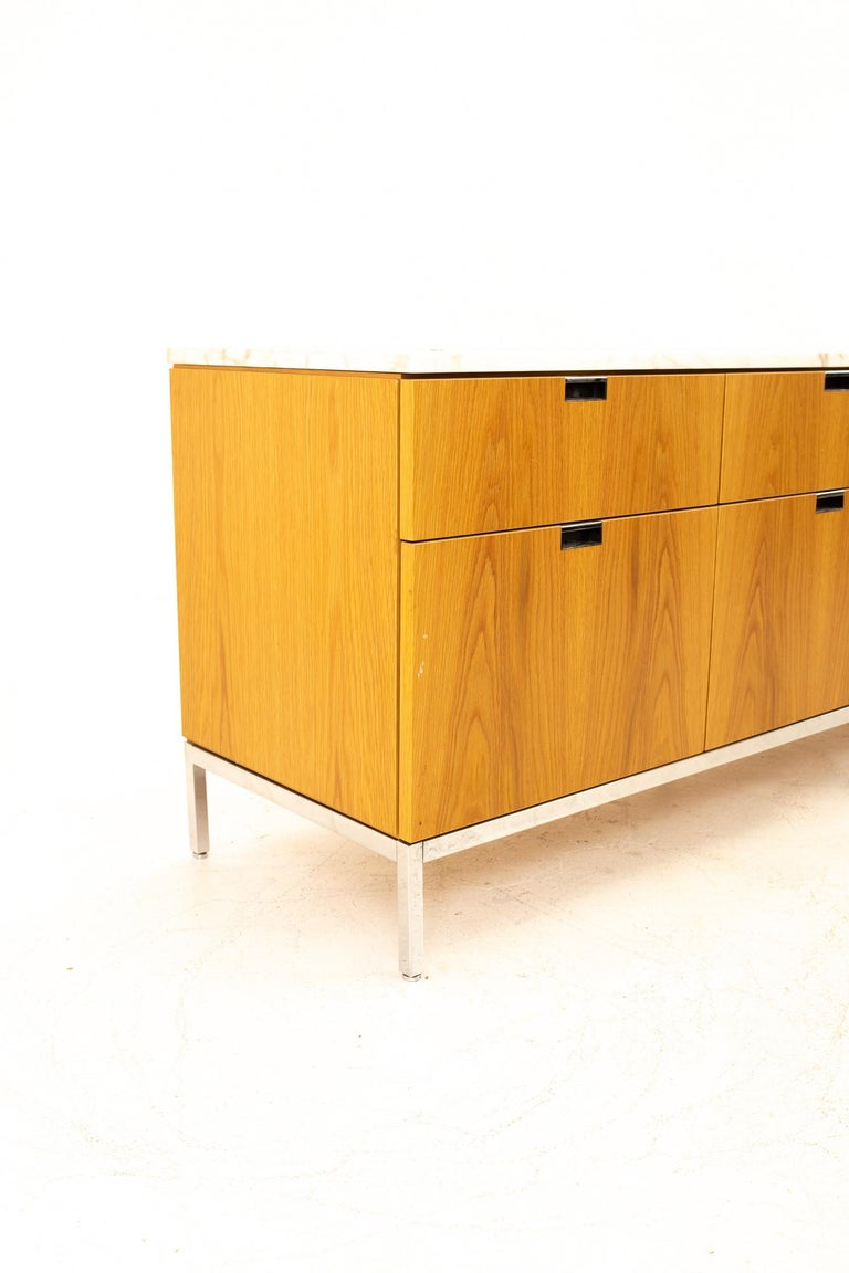 Florence Knoll Mid-Century Modern White Marble-Top Sideboard Credenza In Good Condition For Sale In La Grange, IL