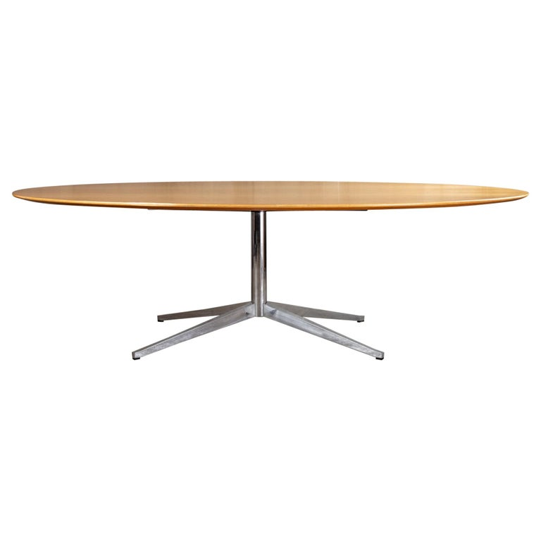 Florence Knoll Oval Dining Table For Sale
