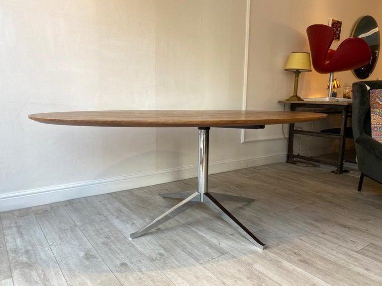 Mid-Century Modern Florence Knoll Oval Dining Table Walnut