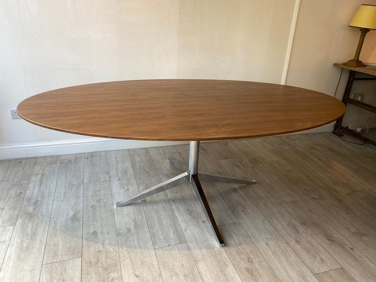 Central American Florence Knoll Oval Dining Table Walnut