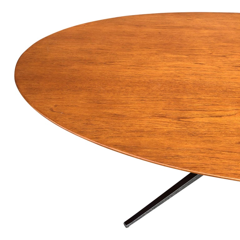 Florence Knoll Oval Table Desk in Walnut 2
